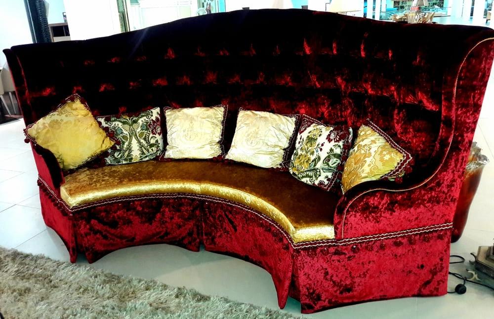 Замена обивки дивана на дому